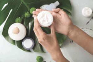 """Res Pharma e la """"Bellezza Consapevole"""": consumo sostenibile e minimalist beauty"""